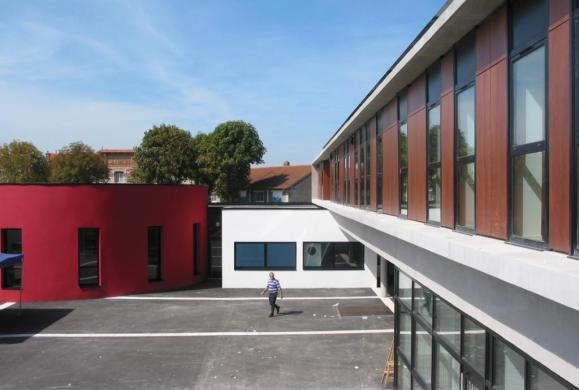 GROUPE SCOLAIRE JEAN JAURES 12 classes